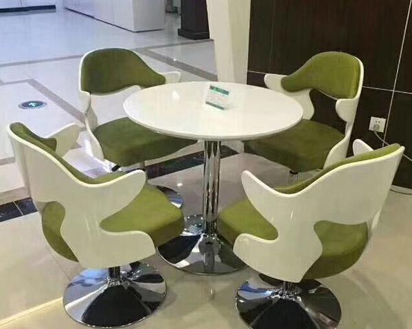 休息室桌椅